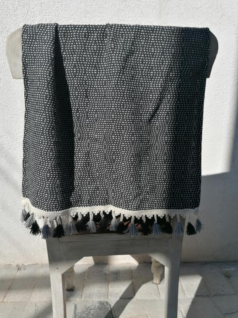 BLACK PEARL HAND TOWEL
