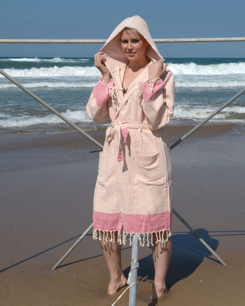 DOTTY DIAMOND BATHROBE